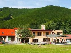 Horský hotel a chatová osada LOMY