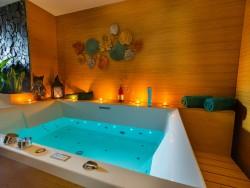 Apartmán LUX + vírivka + sauna