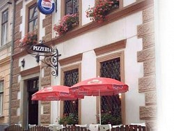 Pensjonat - Pizzeria MAMAMIA