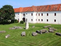 Holíčske megality - Menhiry - Slovenský Stonehenge