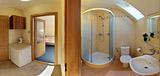 Izba - vstupná časť & kúpeľňa